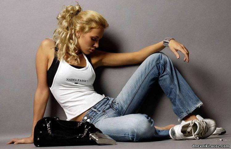 Одинаковые фото эмо блондинки девушки фото